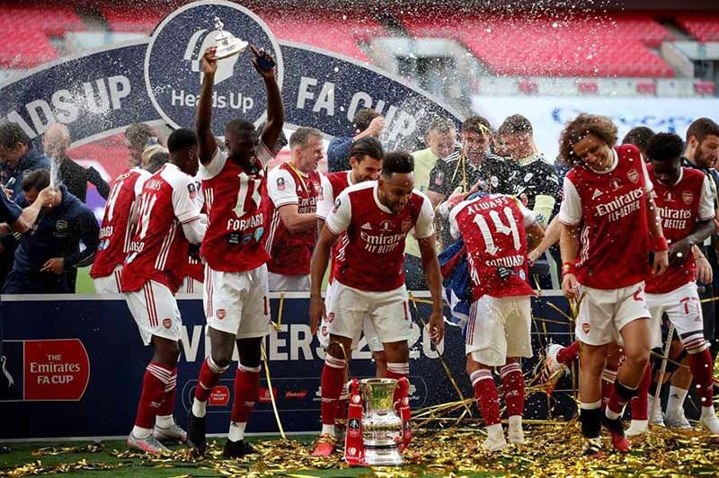 Arsenal vô địch FA cúp